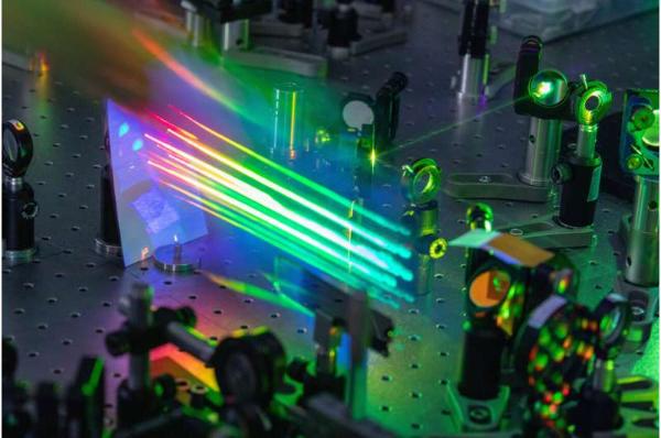 研究人员开发柔性有机光伏电池 成本低/更具灵活性