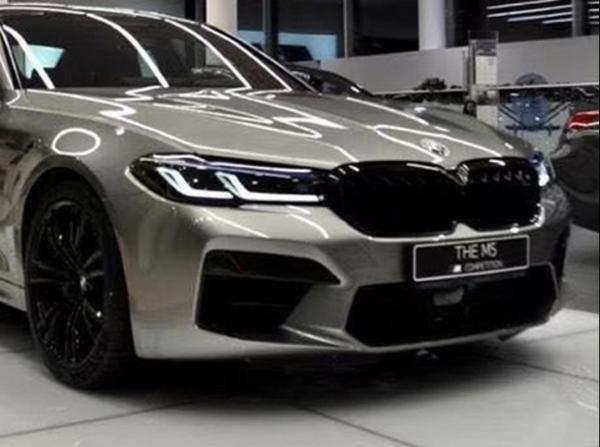 新款宝马M5实拍图曝光 搭4.4T V8发动机/配四驱系统