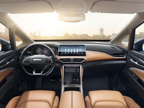 上汽大通MAXUS G50 PLUS内饰官图 科技感再提升 怀挡设计