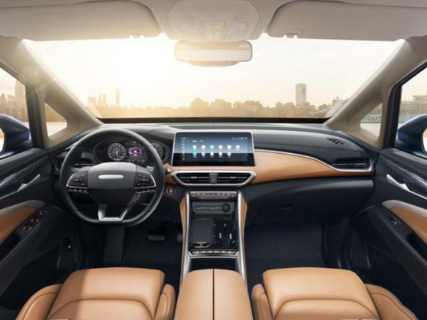上汽大通G50 PLUS将3月26日亮相 采用奔驰同款怀挡设计