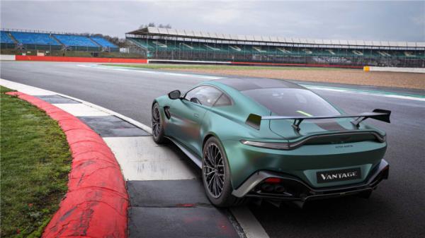 阿斯顿马丁将推F1安全车特别版,第一批车辆将于5月交付给客户。                                           <map draggable=