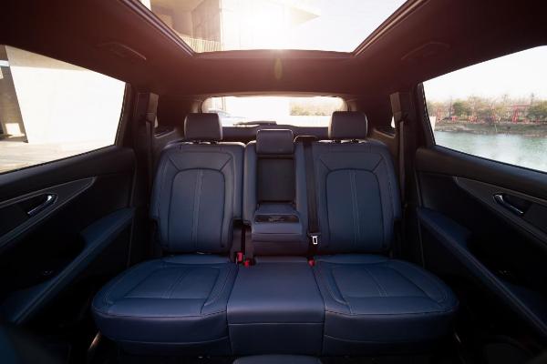 """豪华中型SUV别只盯着""""BBA""""  它更值得你关注"""