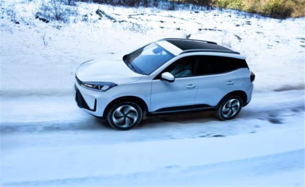 凯翼炫界Pro实车图亮相,定位紧凑型SUV,轴距2632mm