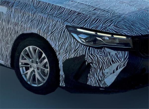 吉利全新轿车路试谍照曝光,或定位为入门紧凑级轿车
