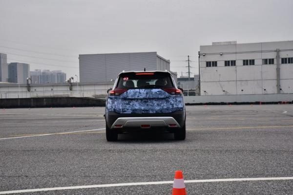 国产全新奇骏实车曝光 搭载1.5T三缸发动机