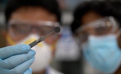 昆士兰大学开发新型石墨烯-铝电池 比当前锂离子电池的寿命长3倍