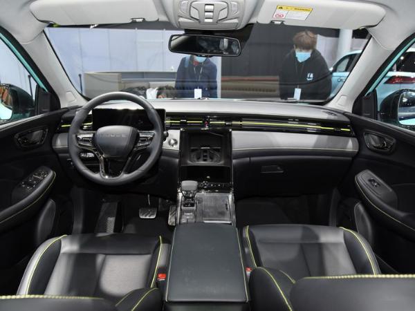 2021上海车展:新款荣威RX5 PLUS正式亮相