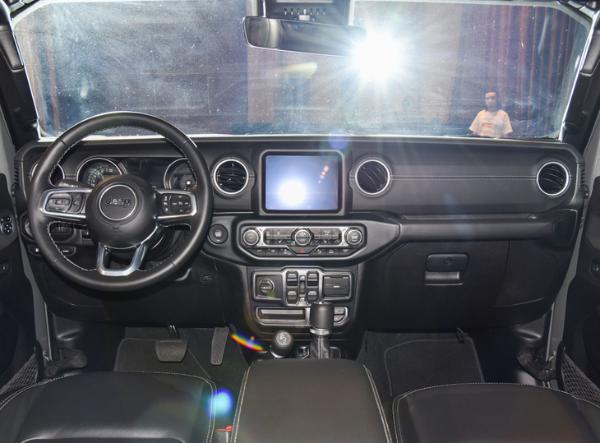 2021上海车展:牧马人4xe先行版开启预售