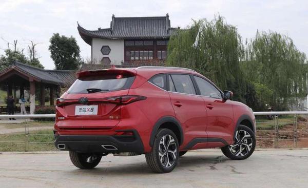 思皓X8新增车型上市 售16.98万元 配置进一步升级