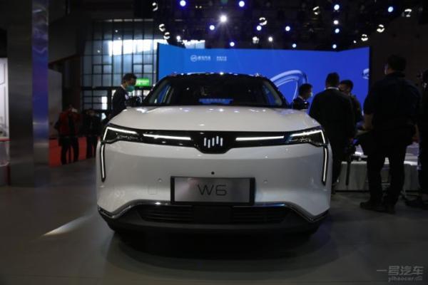 """威马W6亮相上海车展,""""无人自主泊车""""为一大亮点"""