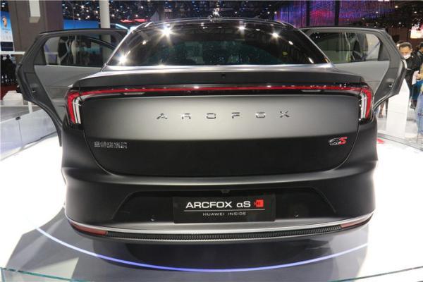 极狐阿尔法S 华为HI版上海车展开启预售,分别为38.89和42.99万元