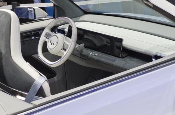 2021上海车展:五零宏光MINIEV敞篷版首发,明年量产