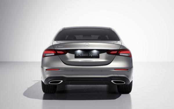 均搭载2.0T 奔驰E级标准轴距版上市