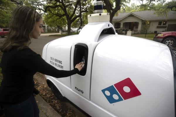 多米诺与努罗合作在休斯顿使用自动机器人分发披萨