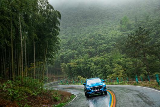 长安欧尚X5,挑战全国五大山路