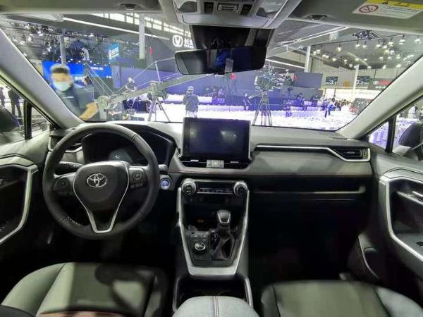 一汽丰田RAV4荣放双擎E+周六上市 纯电续航80km 零百加速7.4秒