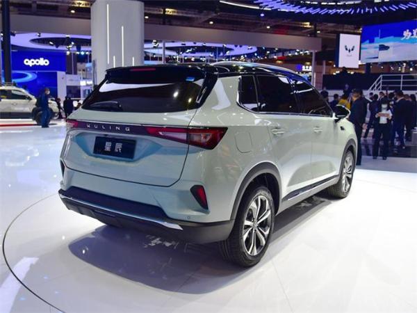 首款银标SUV五菱星辰亮相上海车展