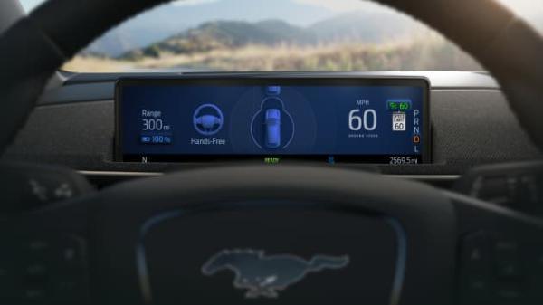 福特首席执行官暗示特斯拉利用客户来测试不成熟的技术