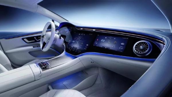 纯电EVA平台首款车型/续航超过700km 奔驰EQS正式亮相
