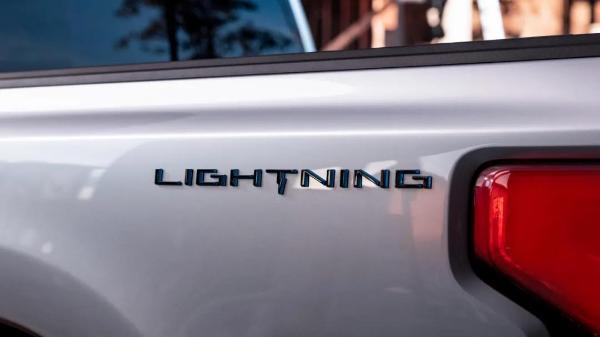"""福特F-150 Lightning 要做皮卡中的""""闪电"""""""
