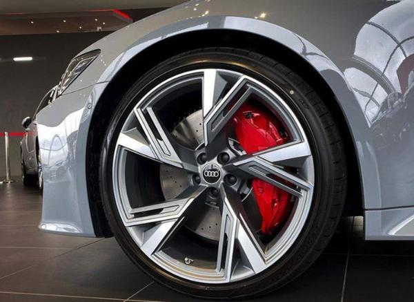 新款奥迪RS 6 Avant实拍图曝光 外观更激进/匹配轻混系统