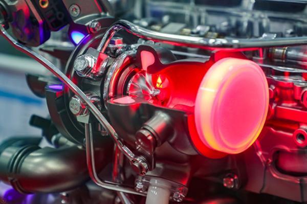 """""""中国心""""十佳发动机加持 全新荣威RX5 PLUS有多强?"""