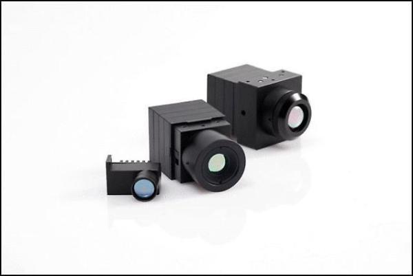 韩华系统开发高性能3D自动驾驶夜视摄像头