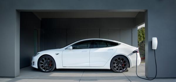 特斯拉开始在匈牙利与罗马尼亚销售电动汽车