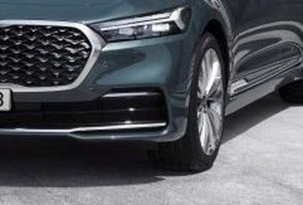 定位大型旗舰轿车 新款起亚K9车型官图发布