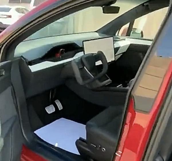 新款特斯拉Model X实车内饰曝光 官方起售价84.999万元