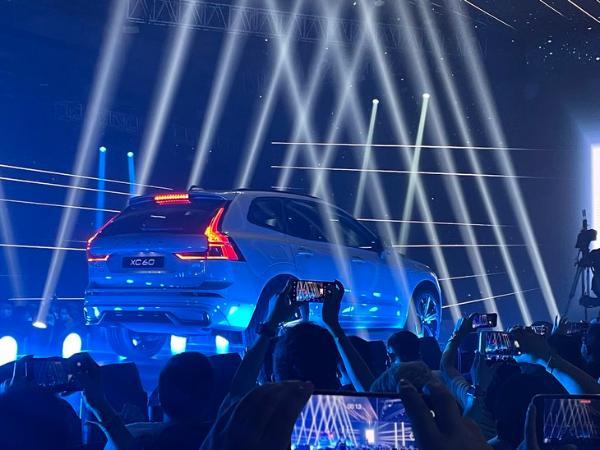 2022款沃尔沃XC60正式上市 售价区间37.39-60.39万元