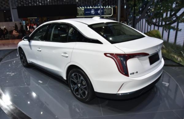 红旗E-QM5售价公布 三款车型均售23.98万元