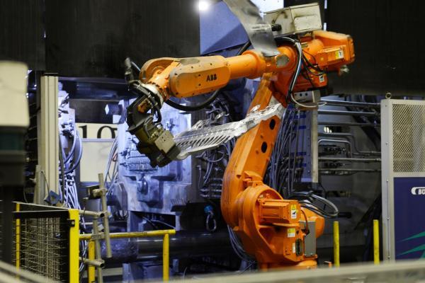 获得知名主机厂的超大业务:莱茵金属赢得轻量化部件 的开创性订单