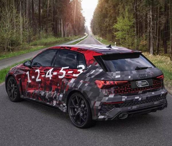 奥迪全新RS 3官方谍照发布 2.5T发动机数据大涨