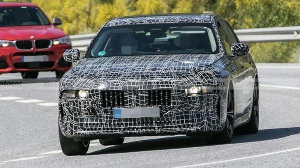 或推纯电版本车型 全新宝马7系的最新谍照图曝光