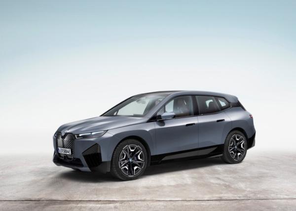 宝马i4与iX新车型全球首发