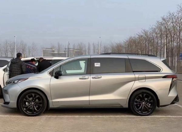 全新丰田塞纳实拍图曝光 国产车型将于今年内亮相