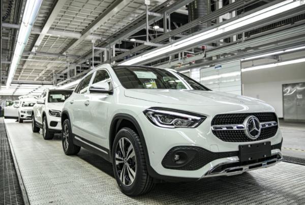 北京奔驰拟将北京两工厂产能提高45%
