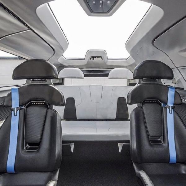 保时捷Vision Renndienst概念车内饰公布 3排6座 设计别致
