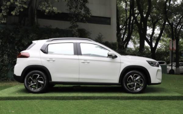 东风雪铁龙新款C3-XR正式上市 售价11.39万/外观内饰设计调整