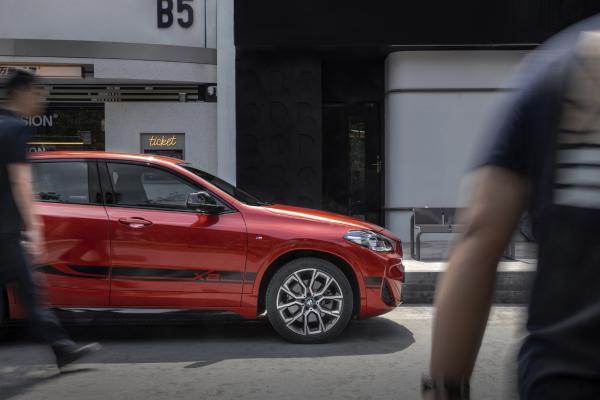 近得了人间烟火,逃得开市井繁华,有BMW X2就能做到这一切