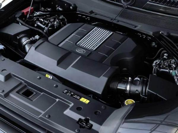全新路虎卫士高性能版年内发布,搭宝马4.4T V8引擎