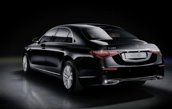 全新奔驰S级防弹版官图曝光 售价约合人民币383万元