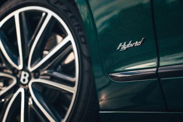 宾利全新飞驰插混版正式发布 搭载革新性动力技术