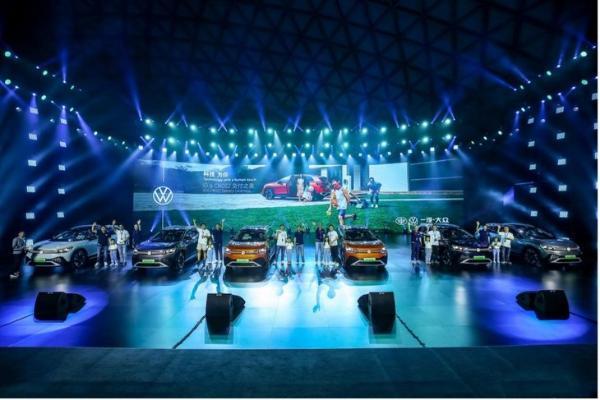 MEB平台打造/定位旗舰SUV,一汽-大众ID.6 CROZZ正式开启交付