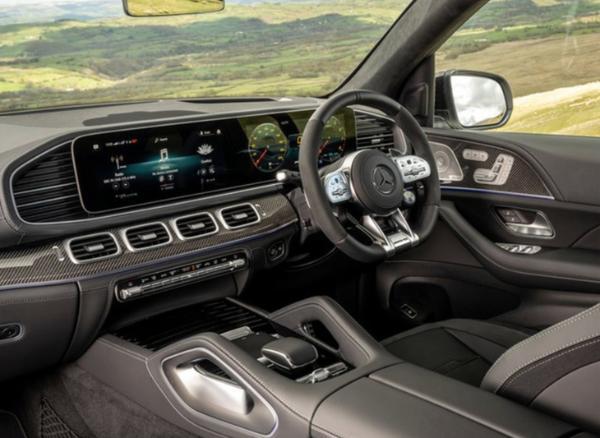 梅赛德斯-AMG全新GLE 63实拍图发布 性能强悍内饰豪华