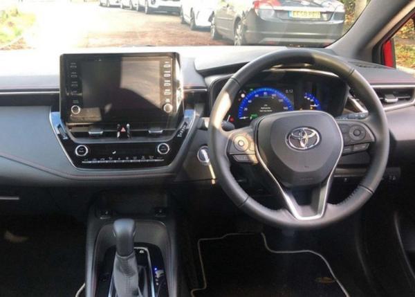 丰田全新卡罗拉两厢实车曝光 线条简洁运动气息提升