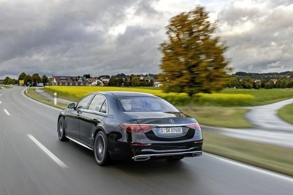 奔驰S580e在海外市场正式发售 约合94万元