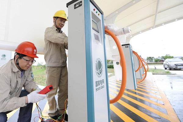 """全国充电设施累计数量,""""逼近""""200万大关"""