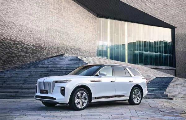 或搭载自主设计V8发动机 红旗全新SUV谍照曝光